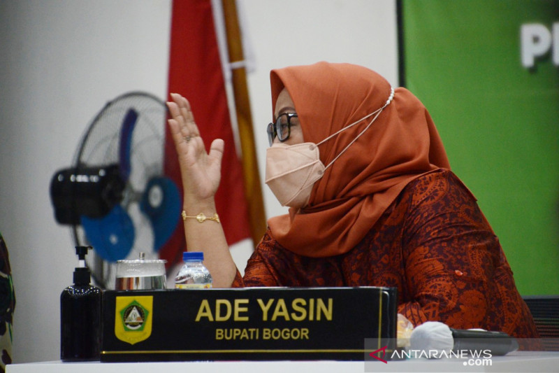 Bupati Bogor evaluasi industri untuk pelonggaran selama PPKM level 4