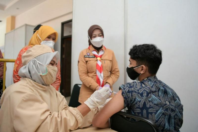 5,3 juta warga Jawa Barat telah terima dosis pertama vaksin COVID-19