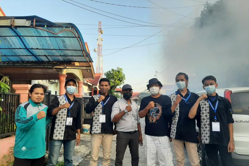 Pengabdian masyarakat, Tim Kukerta UR lakukan fogging di Kelurahan Delima Pekanbaru