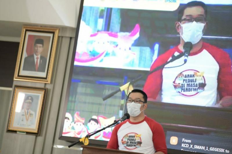 Gubernur Jabar tinjau vaksinasi anak di Majalengka dan Cirebon
