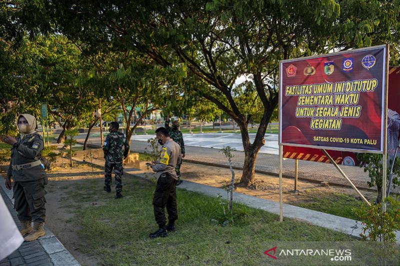 Penutupan fasilitas umum selama PPKM di Palu