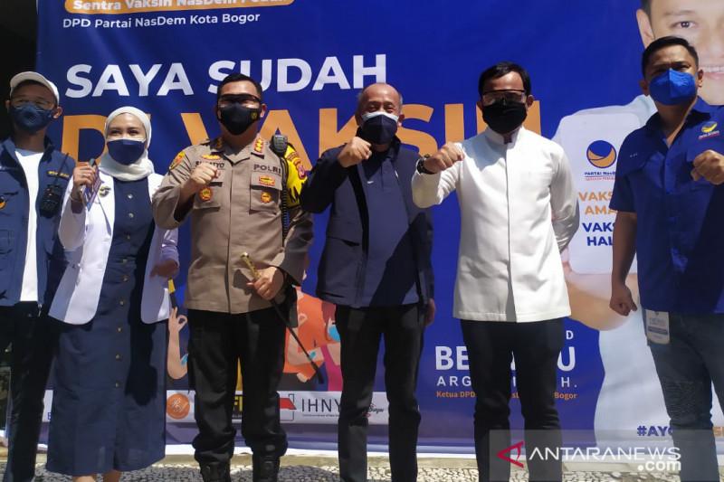 500 warga Kota Bogor ikuti vaksinasi di NasDem peduli