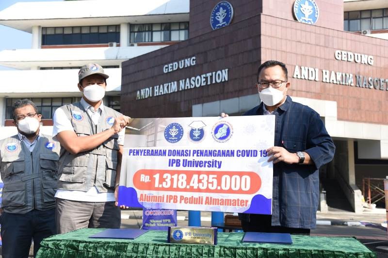 Alumni IPB donasikan Rp1,32 miliar untuk tabung oksigen