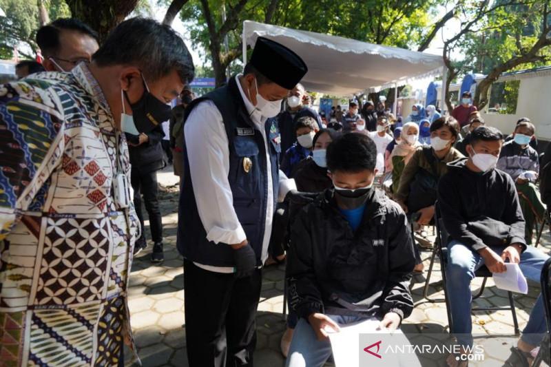 Provinsi Jawa Barat berupaya memvaksinasi 80 persen penduduknya