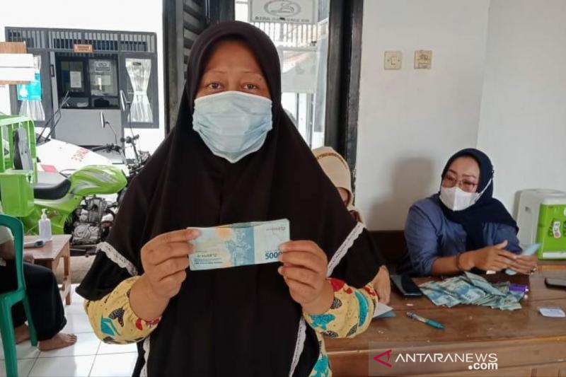 183 pemerintah desa di Purwakarta salurkan BLT Dana Desa