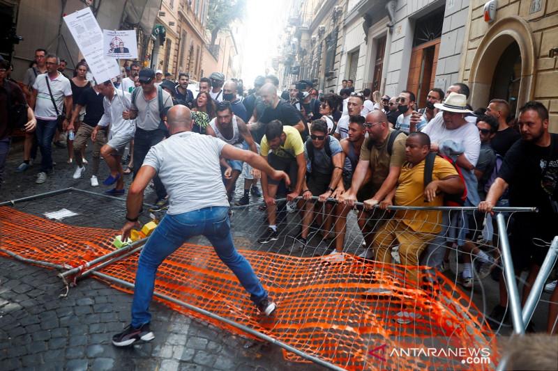 Varian Delta mendominasi kasus Italia