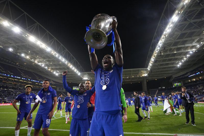 West Ham komunikasi dengan Chelsea untuk dapatkan Kurt Zouma