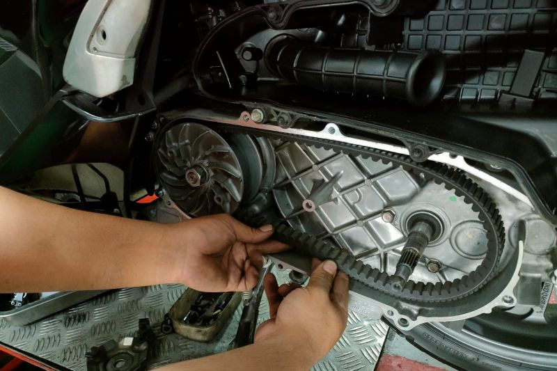 Begini cara aman merawat v-belt motor matik