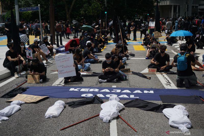 Ratusan warga Malaysia berunjuk rasa, tuntut PM Muhyiddin mundur