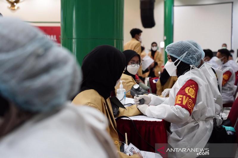 BEM Nusantara gelar vaksinasi mahasiswa di Ubhara Jaya Bekasi