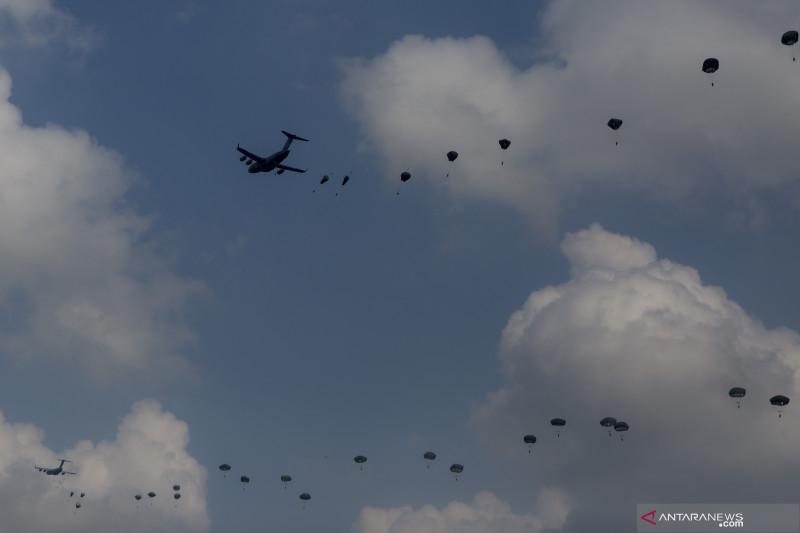 Latihan Terjun Garuda Airborne
