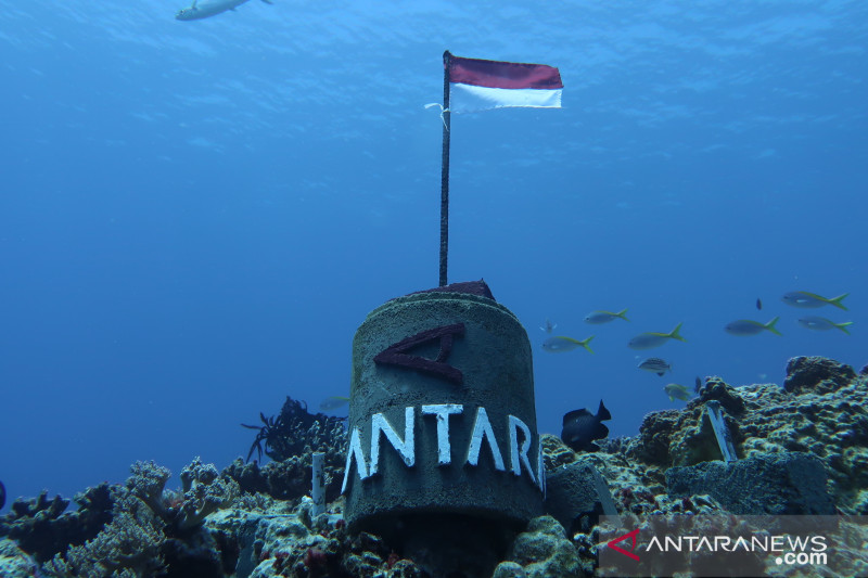 LKBN ANTARA Biro Kepri pasang tugu di dasar laut Natuna Utara