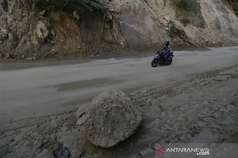 Jalur Rawan Longsor di Desa Enu Donggala