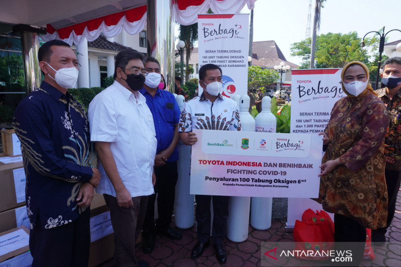 Toyota Indonesia teruskan program pemberian tabung oksigen di Karawang