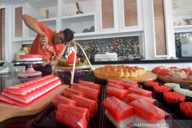 Penjualan Kue Merah Putih  Di Padang