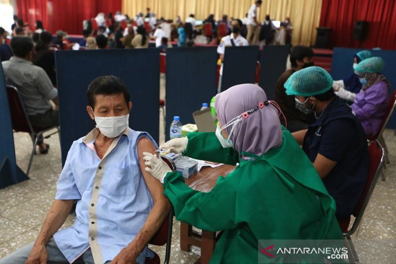 Sejuta lebih penduduk Kota Bandung telah divaksinasi COVID-19