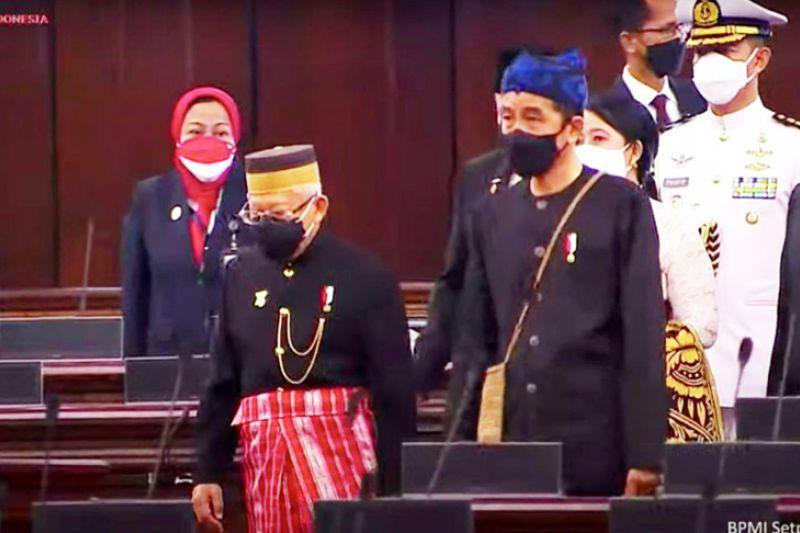 Presiden Joko Widodo kenakan pakaian adat Suku Baduy di Sidang Tahunan MPR