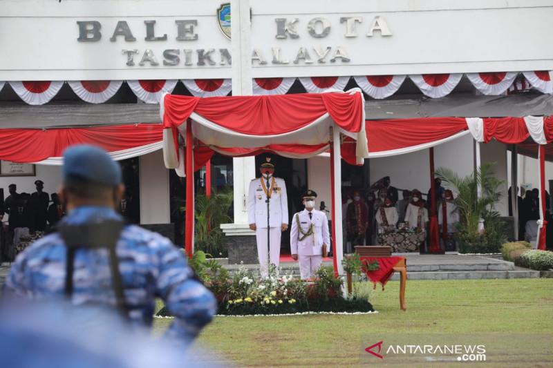 Wali Kota Tasikmalaya ajak masyarakat terus berjuang di tengah pandemi ini
