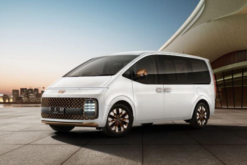MPV Hyundai Staria resmi meluncur di Indonesia