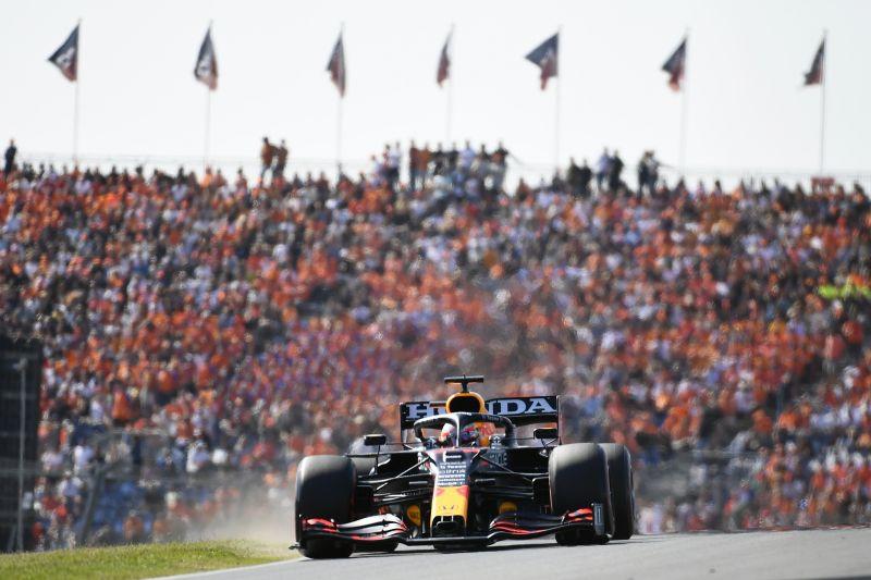 Max Verstappen kembali ke puncak berkat kemenangan di Zandvoort