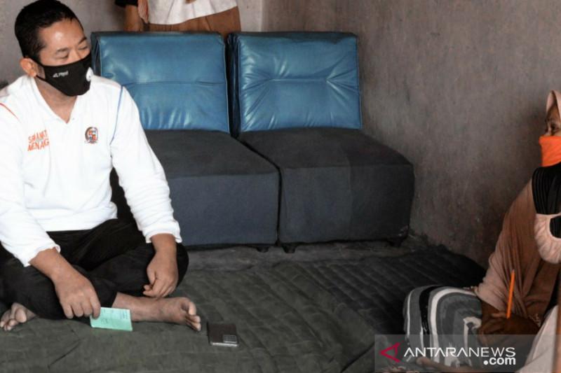 Anggota DPRD Kota Bogor bantu warga dana bergulir