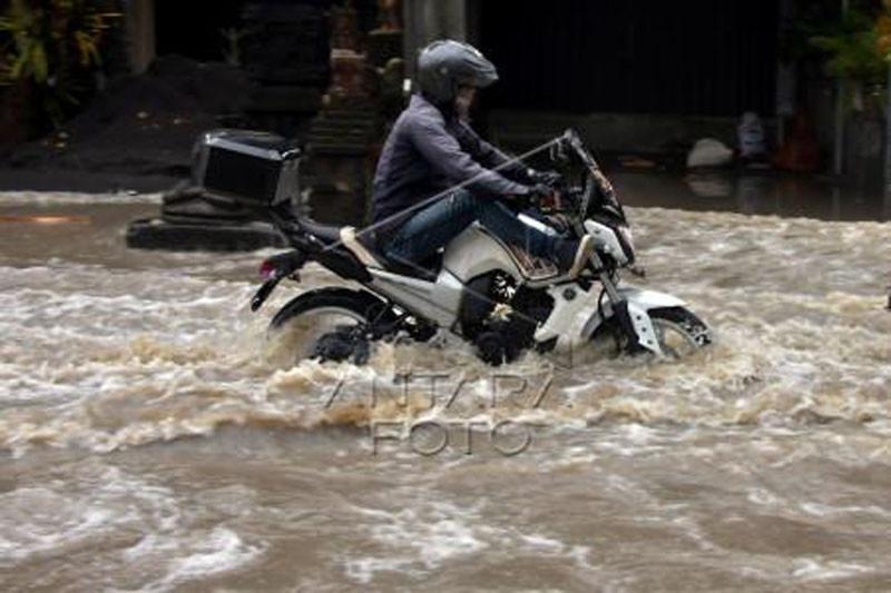 Banjir di jalur pariwisata Badung Bali