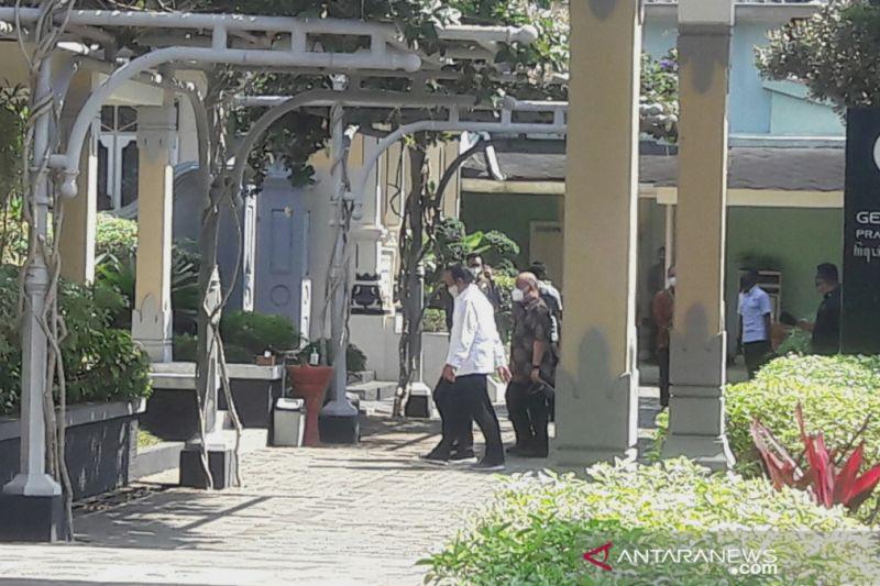 Photo of President Jokowi urges Yogyakarta governor to expedite vaccination – ANTARA News   Luqman Hakim, Mecca Yumna