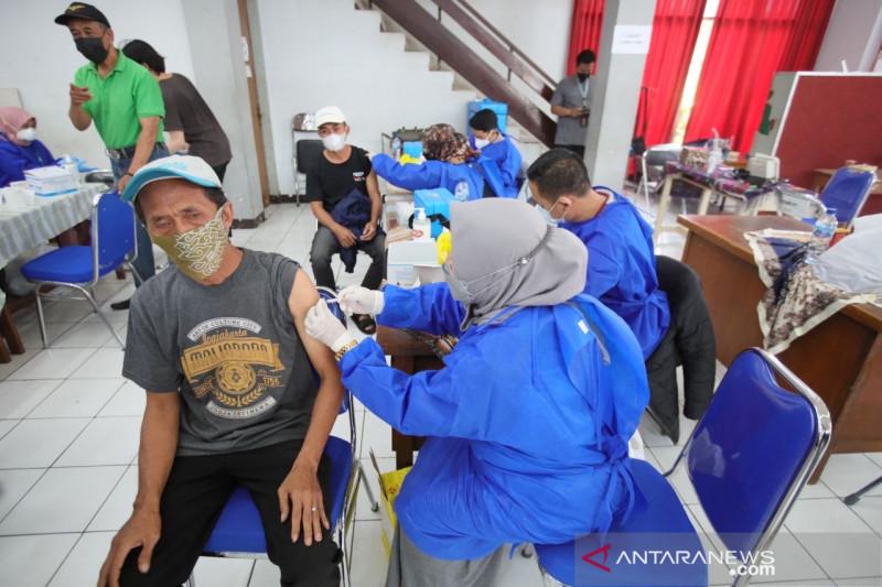 Vaksinasi COVID-19 di Kota Bandung sudah 70 persen lebih