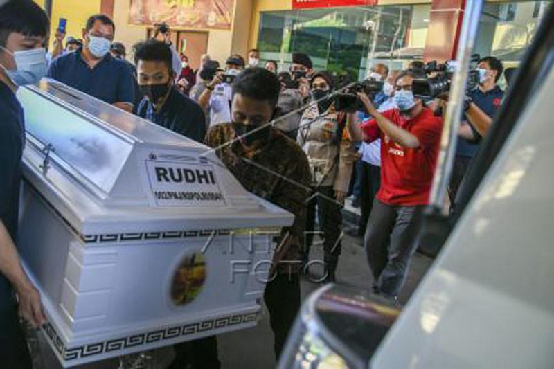 Penyerahan korban kebakaran Lapas Tangerang kepada Keluarga
