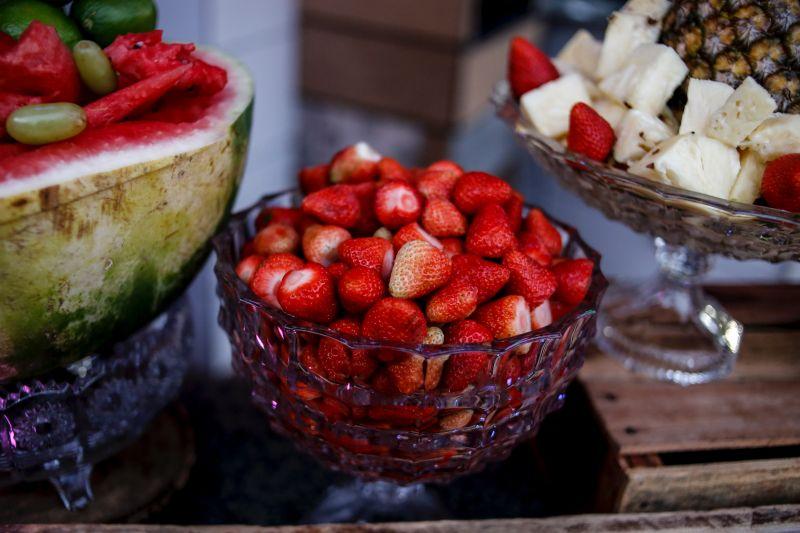 Tips menyimpan brokoli, stroberi, dan nanas awet hingga satu bulan