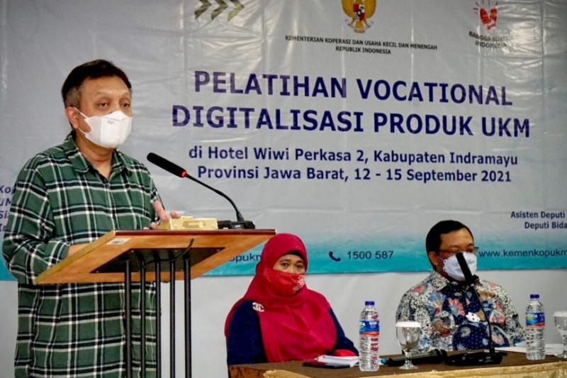 Kemenkop dan DPR dorong pelaku UKM Indramayu masuk platform digital