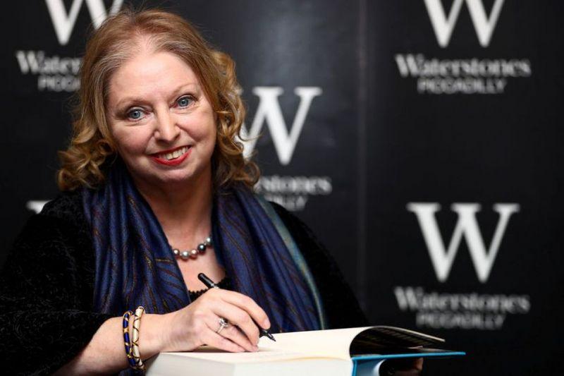Kerajaan Inggris bisa punah dalam dua generasi, kata penulis Hilary Mantel