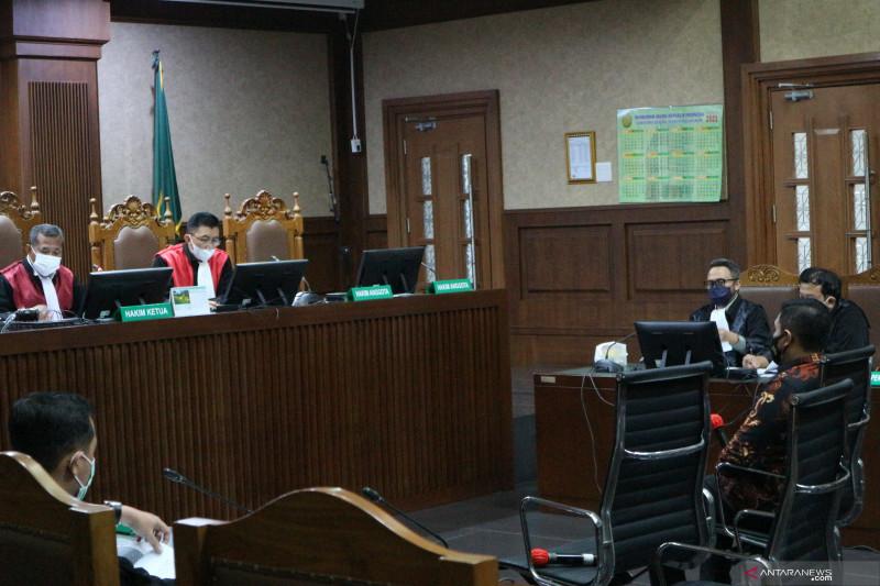 Bekas penyidik KPK Stepanus Robin didakwa terima suap Rp11,5 miliar