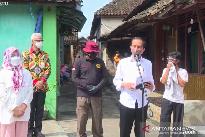 Presiden Jokowi ingin pastikan vaksinasi massal berjalan di seluruh provinsi