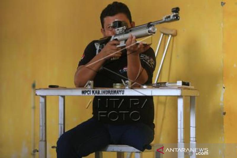 Latihan Menembak Atlet NPC Jelang Peparnas