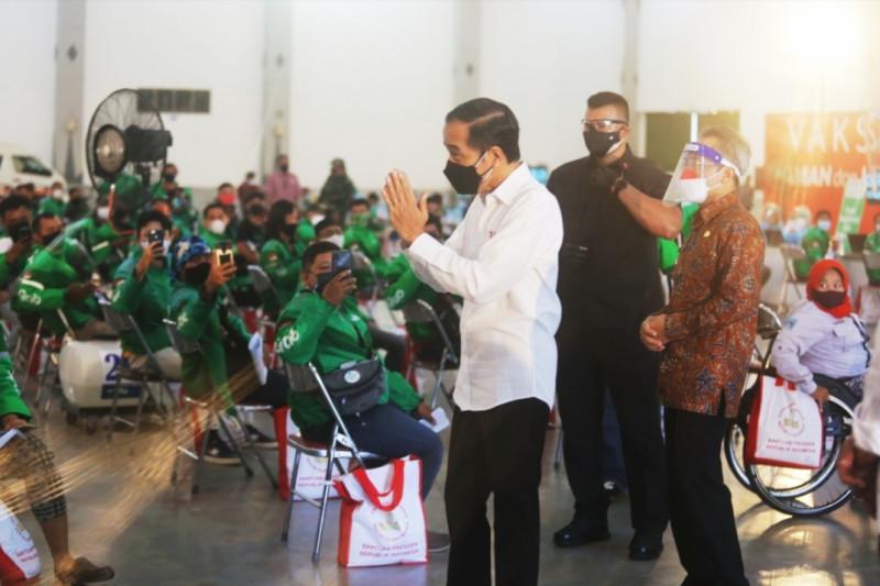 Presiden tinjau pusat vaksinasi Grab yang ramah disabilitas
