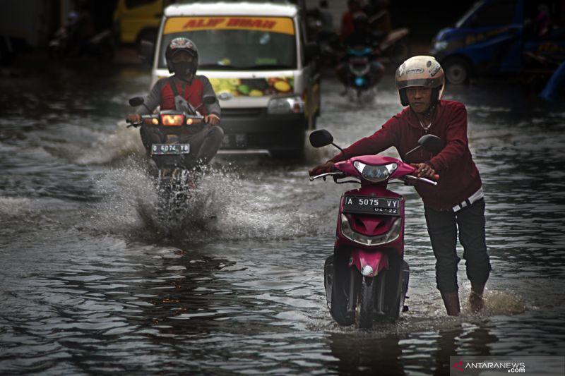 Belasan provinsi hadapi potensi hujan lebat berpotensi sebabkan banjir