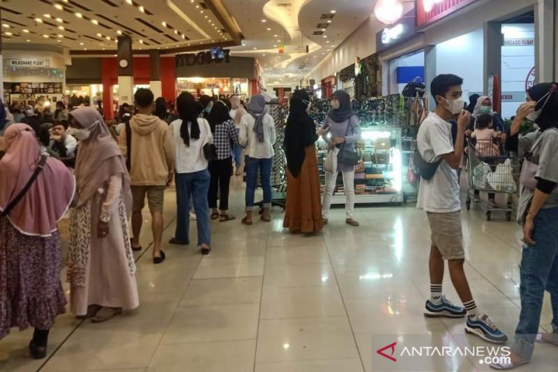 Pengelola tempat wisata dan pusat keramaian di Cianjur berharap ada keringanan