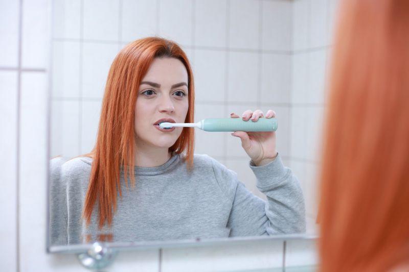 Cegah penyakit gusi, konsumsi makanan bergizi dan rutin gosok gigi