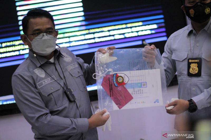 Polda Jawa Barat buru pemilik sertifikat ilegal vaksin COVID-19