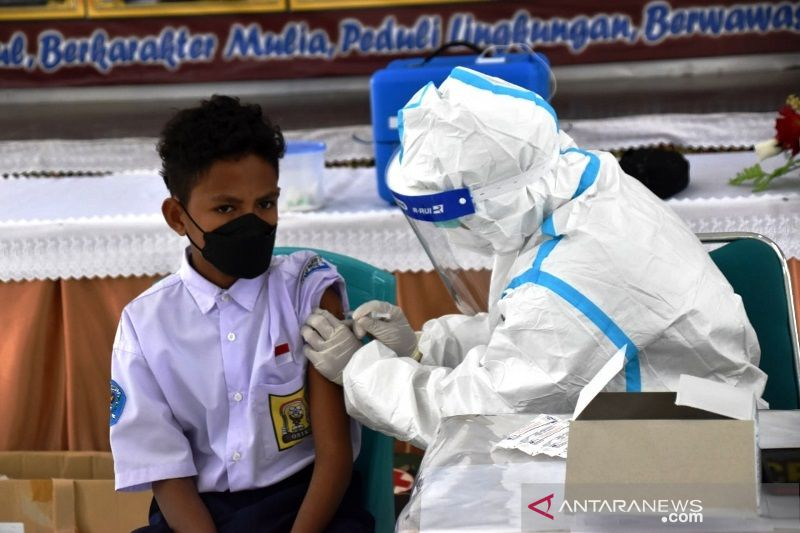 Vaksinasi siswa SMPN 1 Merauke Papua
