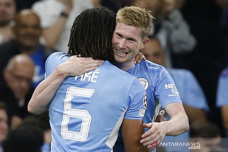 Manchester City cuma punya stok dua bek tengah saat menjamu Southampton