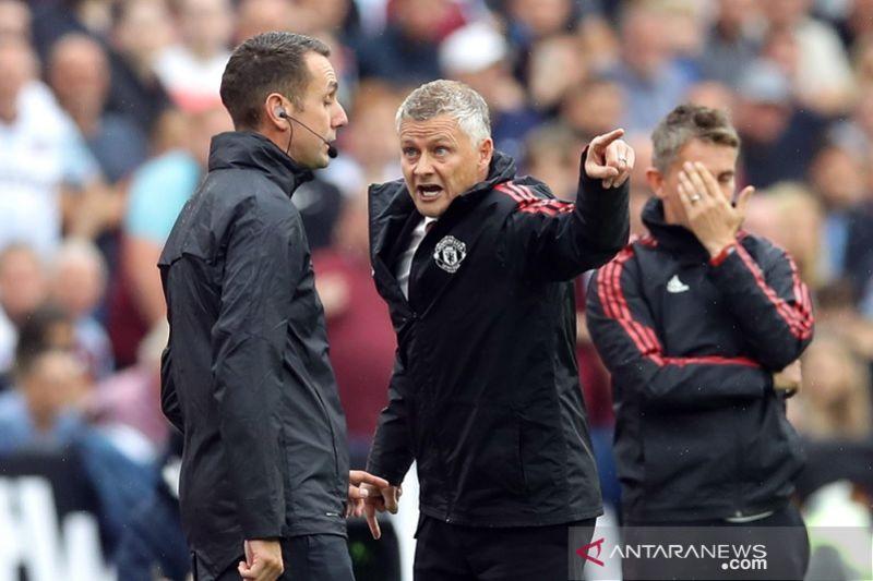 Walau menang, Solskjaer masih keluhkan laga MU lawan West Ham
