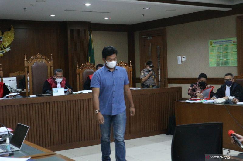 Saksi sebut Wakil Ketua DPR Azis Syamsudin bapak asuh Stepanus Robin Pattuju