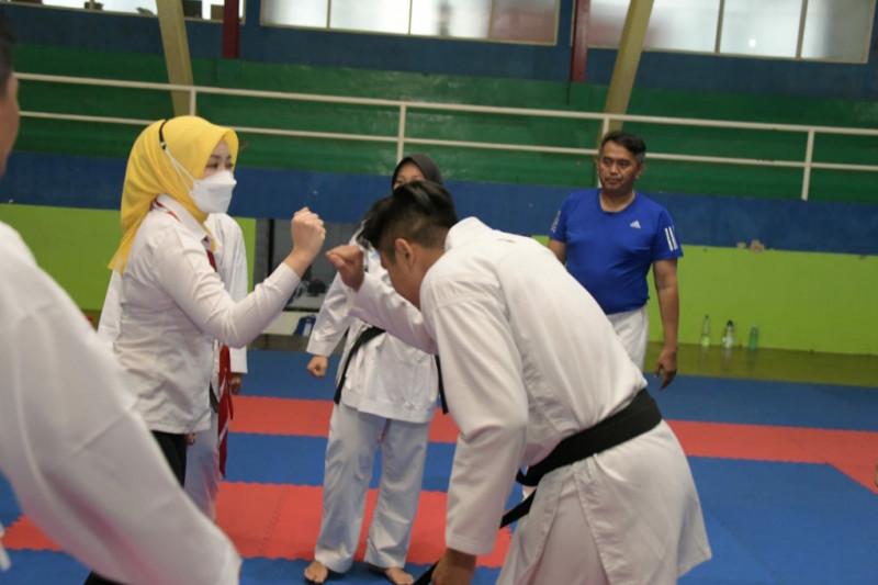 Atalia Kamil beri motivasi atlet Jabar sebelum berangkat ke PON Papua