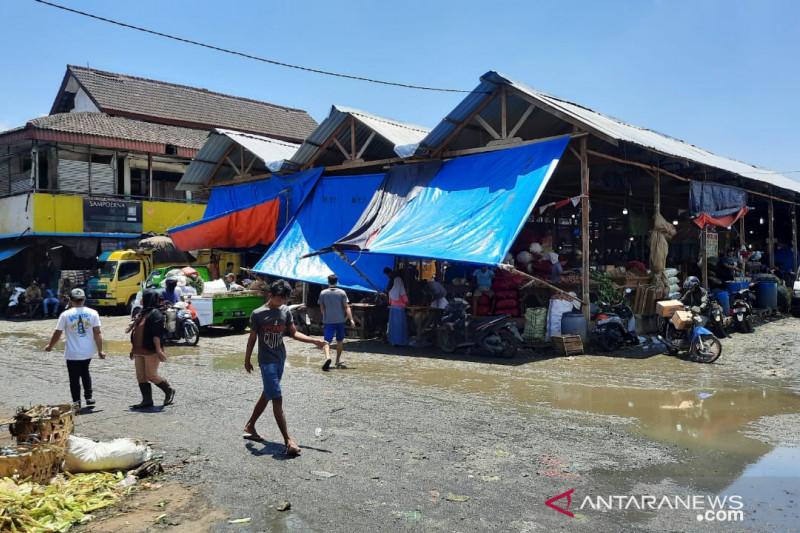 Pengelola Pasar Induk Cibitung Bekasi harap perekonomian bangkit