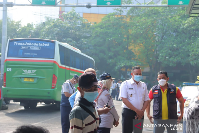 Pemkot gelar vaksinasi COVID-19 bagi penumpang di Terminal Induk Bekasi