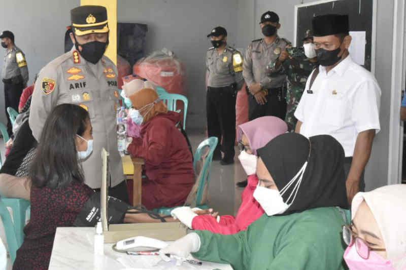 Polresta Cirebon gelar vaksinasi merdeka di 15 desa