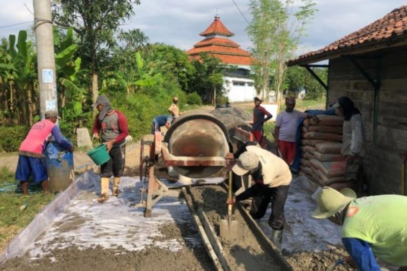 Padat karya tunai permukiman serap 300.000 tenaga kerja