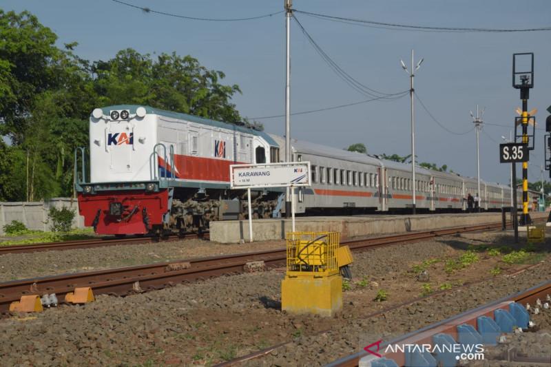 Tiga kereta api lokal kembali dioperasikan KAI Daop I